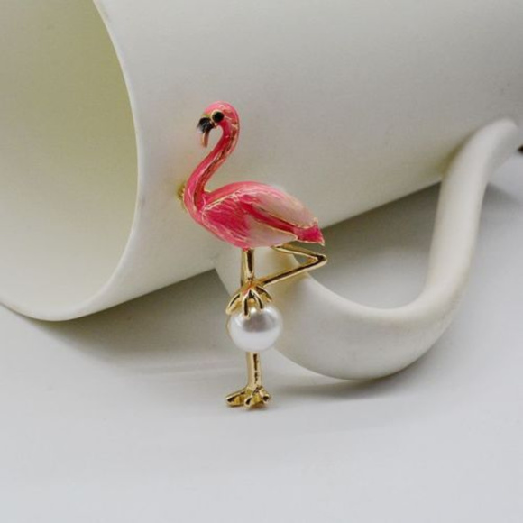 Gem Emporium Jewelry - Pink Flamingo With 12MM Faux Pearl